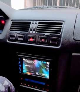 Bora TDI con música pantalla digital