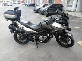 Vendo o permuto por carro hiuday y 35 doy excedente o gs 500 moto vestron 650 modelo 2007 seguro nuevo itecno