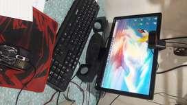 Cambio  computadora con todo incluido  teclado  camara mou  parlante  pc por una netbook