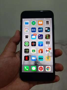 Iphone SE 2020 con detalle
