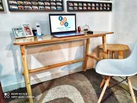 Mesa de trabajo - escritorio en Pino radiata Nuevo