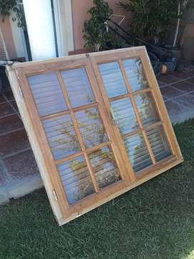 Par de ventanas de madera