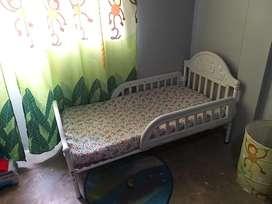Vendo hermosa cama cuna marca Graco