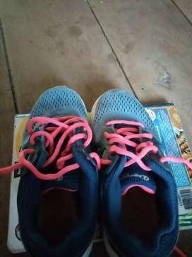 Zapatos de 27.$
