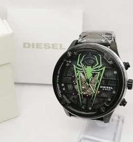Reloj diesel edición especial.