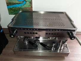 Maquina de cafe espresso con molino profesional