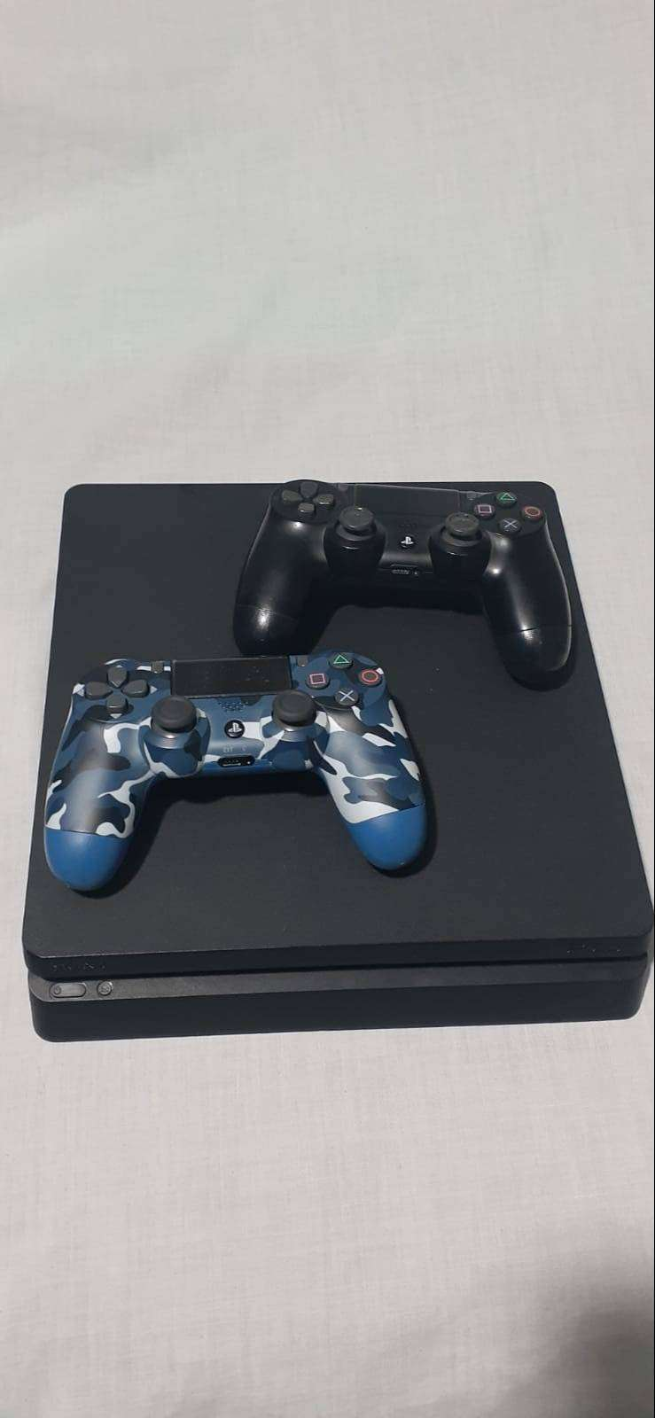 PlayStation 4 1TB / PS4 1TB + 2 controles + juegos 0