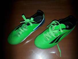 Botines Penalty Rugby niño. Talle 32