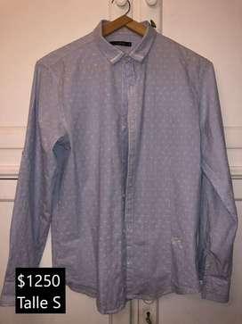 Camisas de hombre. Talles S y M. Desde $1.000 a $1.500. USADAS COMO NUEVAS.
