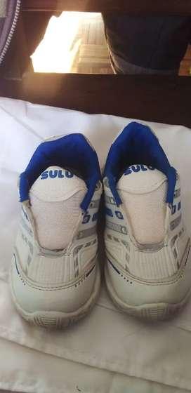 Zapatillas de niño (ver talles en la descripción)