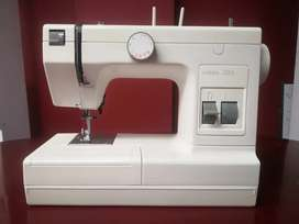 Vendo Maquina De Coser PFAFF HOBBY 303 COMO NUEVA