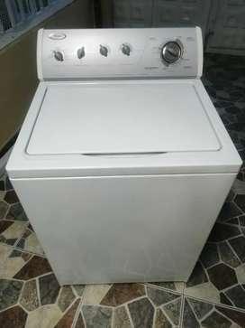 Hermosa lavadora whirpooll americana 32 lbs