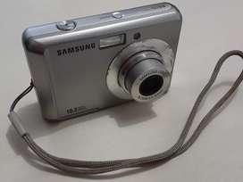 Vendo cámara digital Samsung Modelo ES15 de 10.2 Megapixeles en excelente funcionamiento