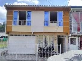 vendo casa de dos pisos PORTAL DE EUCALIPTOS