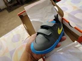 Zapatos Nike Pico 5 Originales Nuevos