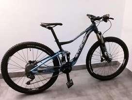 OPORTUNIDAD! Bicicleta MTB montaña XC 27.5 Liv talla S (Giant mujer).