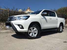 Vendo Toyota Hilux 4x4 srv.. Recibo Terreno o auto en parte de pago