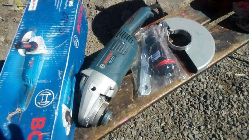 Alquilo Amoladora Bosch Gws 22230 Pro S/.30 por dia 0