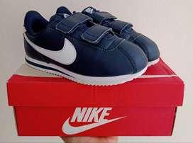 Zapatillas Nike Cortez Basic Para Niños Nuevas y Originales