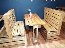 Sillas, mesas, separadores, mostrador