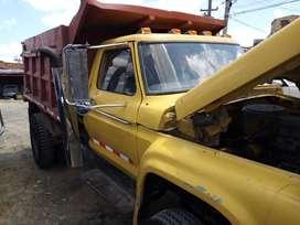 Volqueta Ford modelo 1967 porta conjunto 1978, motor CATERPILLAR 3208 diesel, caja CLARK y trasmisición EATON 7/49