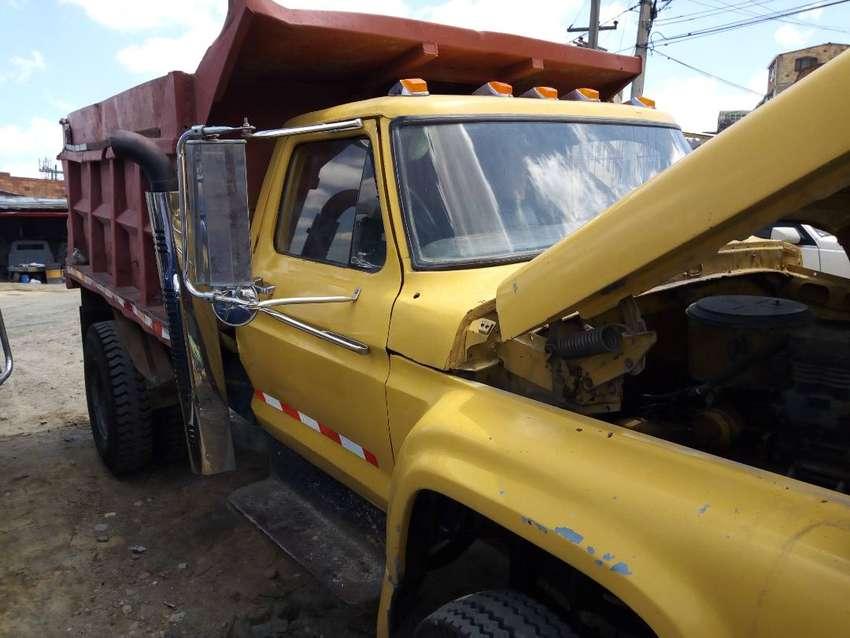 Volqueta Ford modelo 1967 porta conjunto 1978, motor CATERPILLAR 3208 diesel, caja CLARK y trasmisición EATON 7/49 0