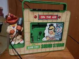 Ernie Muppets 1977  Sesame Street Portable Cassette Recorder funciona