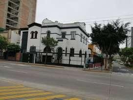 Alquilo Local comercial u Oficina · 200m² ·4 Estacionamientos AV. PETIT THOUARS-SAN ISIDRO