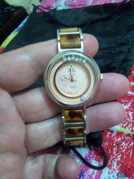 Vendo o cambio reloj Versace original usado dama