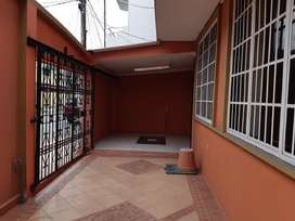 Vernaza Norte Atras Del Mall d Sol Casa rentera