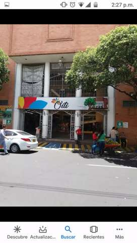 Vendo local en el centro comercial Oiti 3piso