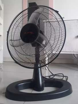 "Vendo ventilador turbo Axel 16"" negro"