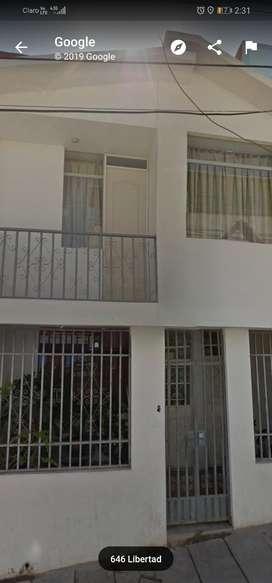 Se Vende Casa 1er Piso Y Aires