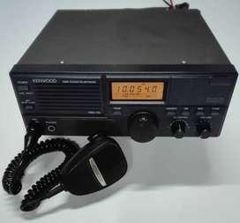 Radiofrecuencia  Equipo TRC-70 Transceptor HF Kenwood  con micrófono .Impecable