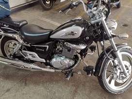 Moto Suzuki GZ 150
