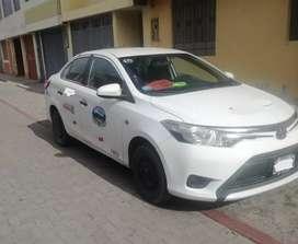 Vendo auto Toyota yaris con setare y protocolo de seguridad