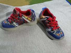 Zapatos de niñ@s en $10