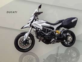 Moto Ducati Hyperstrada 821 año 2014
