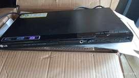 Dvd LG  con un puerto usb y Puerto para micrófono