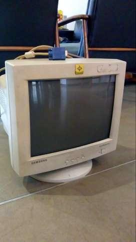 Vendo monitor Samsung. Anda diez puntos