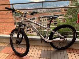 VENZO FX-3 y GW FOURX (raven, ontrail,enduro,downhill,dirt)