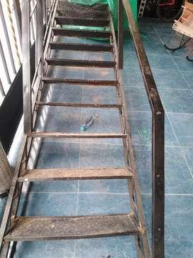 Vendo escalera metalica