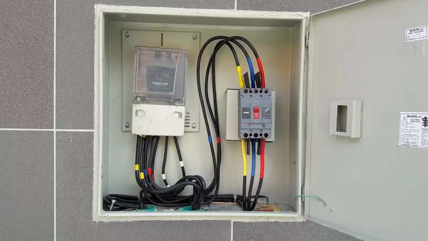 Montajes electricos residencial y industrial 0