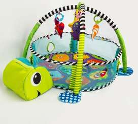 Gimnasio Tortuga para bebés marca Infanti