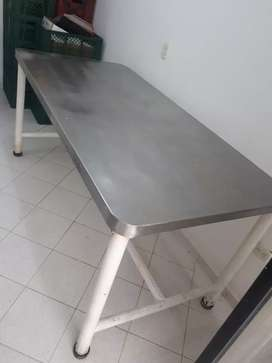 Mesa en acero inoxidable
