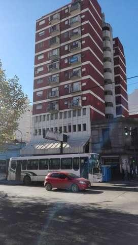 Alquiler de Oficina/consultorio/despacho/estudio 15 Mts  a 2 Cuadras de la estación de quilmes