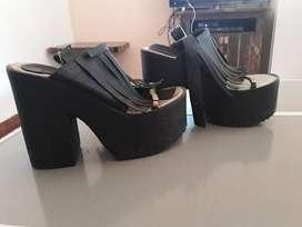Zapatos un solo uso, en buen estado