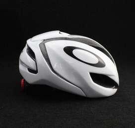 Casco oakley ciclismo blanco (nuevo)