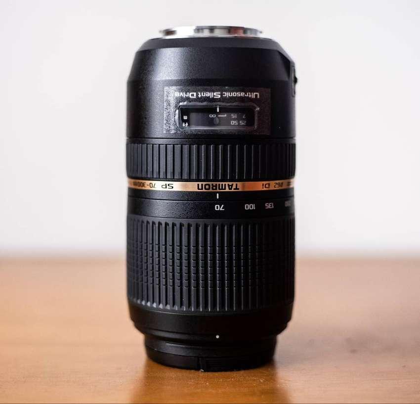 Lente Teleobjetivo Zoom Tamron Sp Af 70-300 F/4-5.6 Di Vc Usd Para Cámara Sony Auto Focus