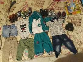 Ropa y zapatos para niño